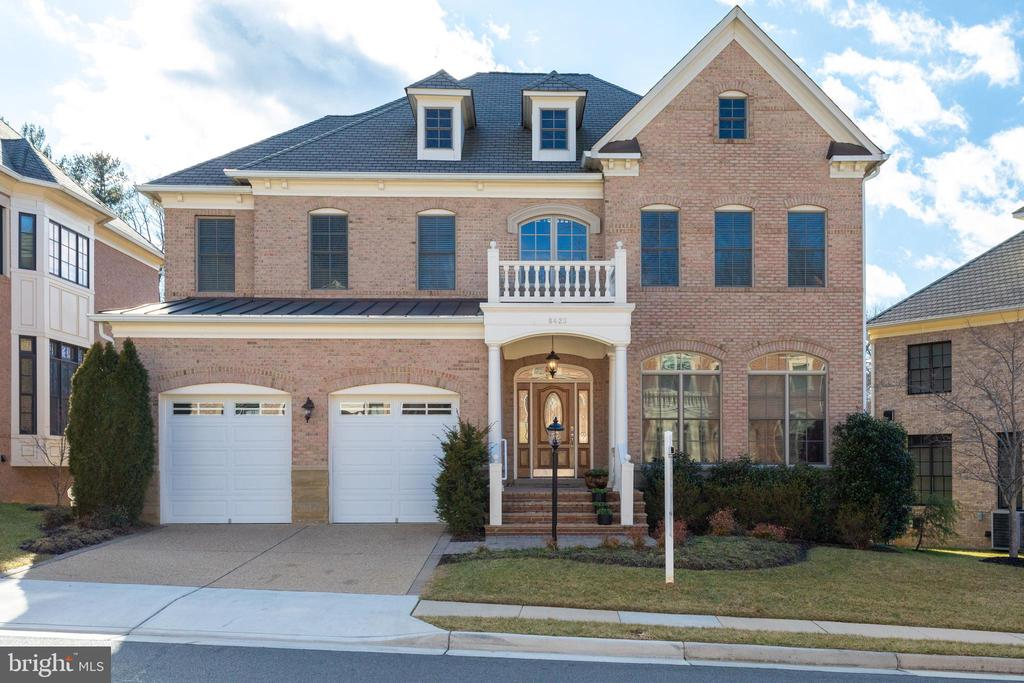 Gorgeous 4 sided Brick Custom Home - 8423 FALCONE POINTE WAY, VIENNA