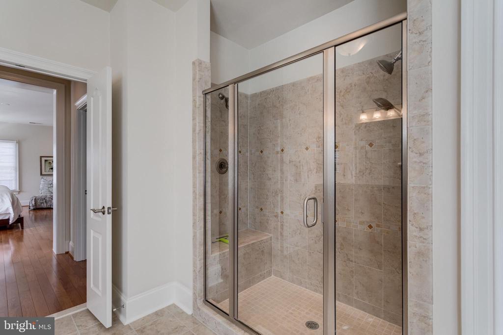 Master Shower - 8423 FALCONE POINTE WAY, VIENNA