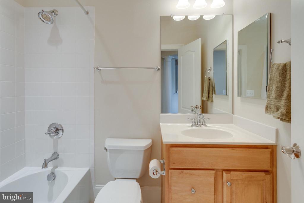 Full Bath Basement - 8423 FALCONE POINTE WAY, VIENNA