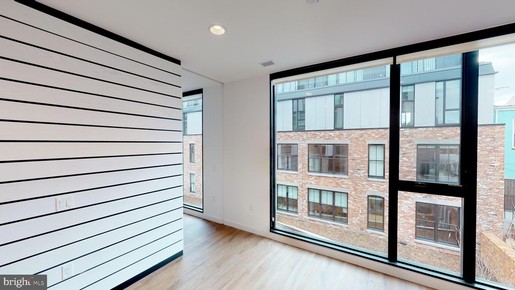 Floor-to-ceiling glass with Southern exposure - 57 N ST NW #N-234, WASHINGTON