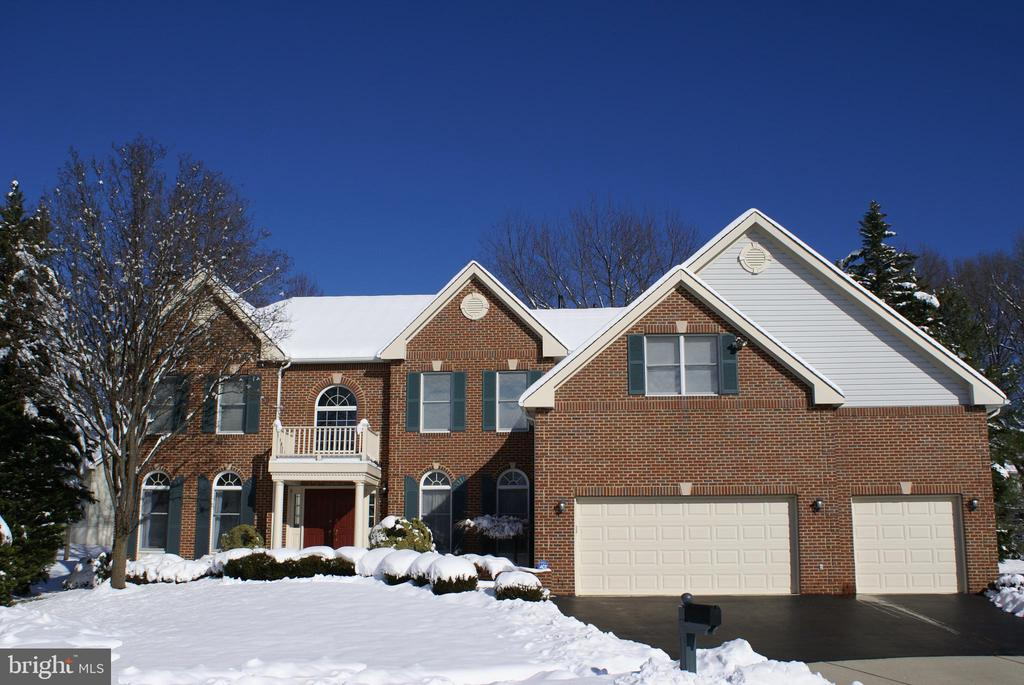 3504  BROADRUN DRIVE, Fairfax, Virginia