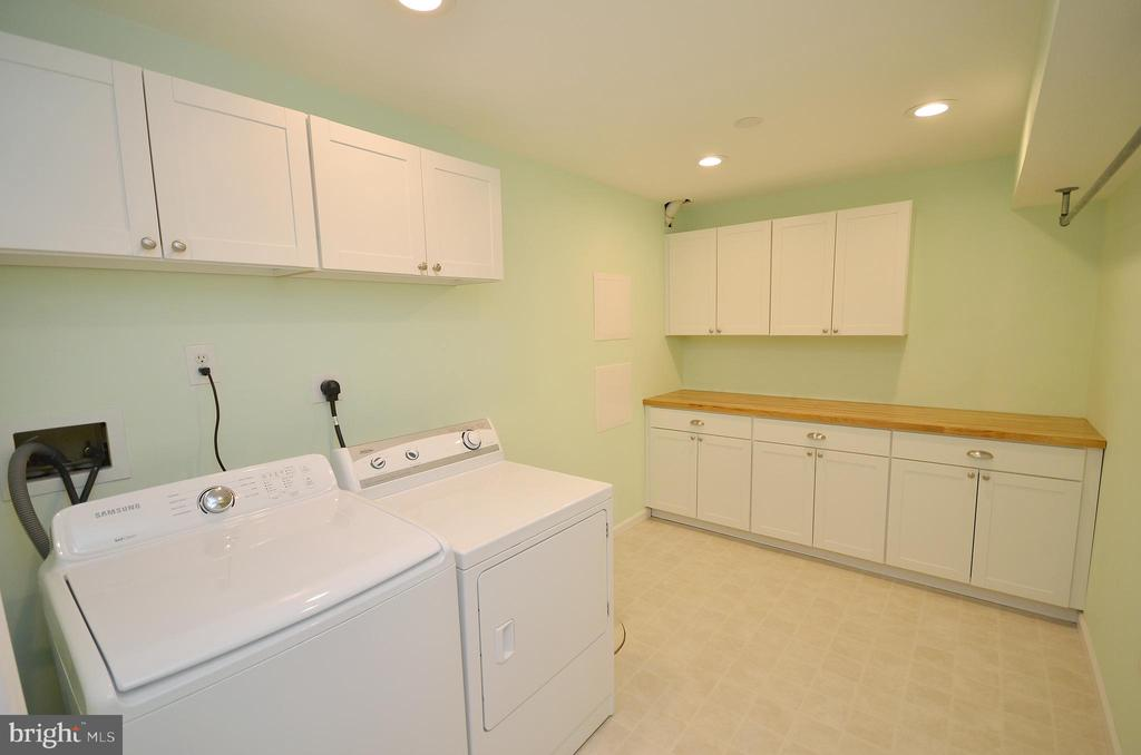 Laudry Room with Cabinets & Butcher Block Counter - 21563 BANKBARN TER, BROADLANDS