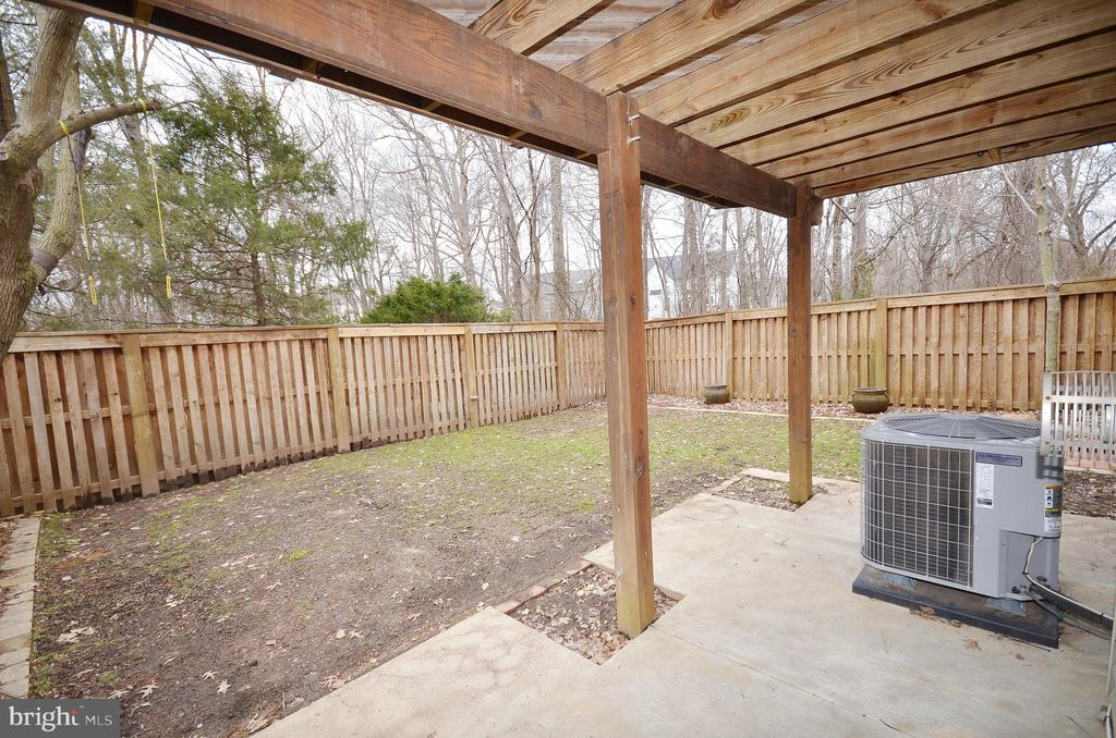 Patio Under Deck - 21563 BANKBARN TER, BROADLANDS