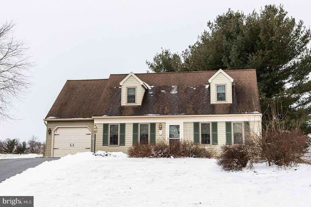 221  IRONSTONE DRIVE, Manheim Township in LANCASTER County, PA 17543 Home for Sale