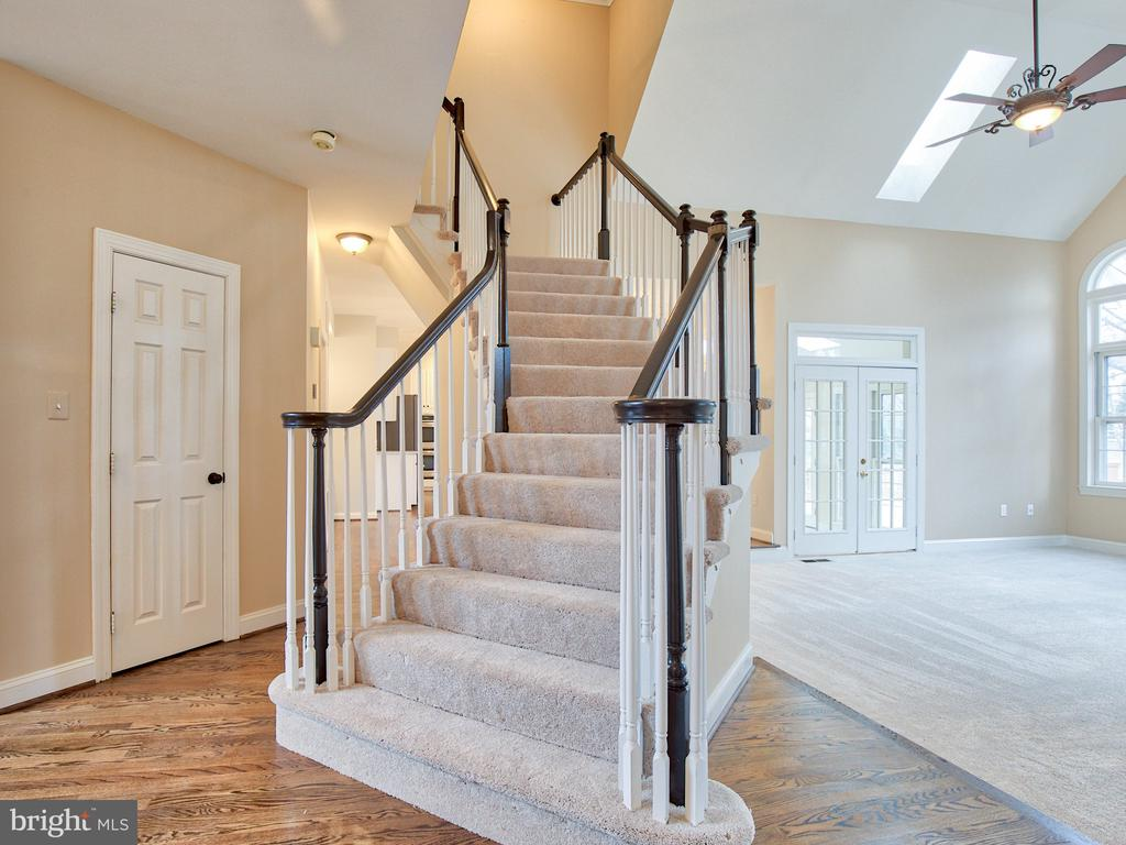 STAIRCASE WITH JUST PAINTED RAILINGS - 1135 ROUND PEBBLE LN, RESTON