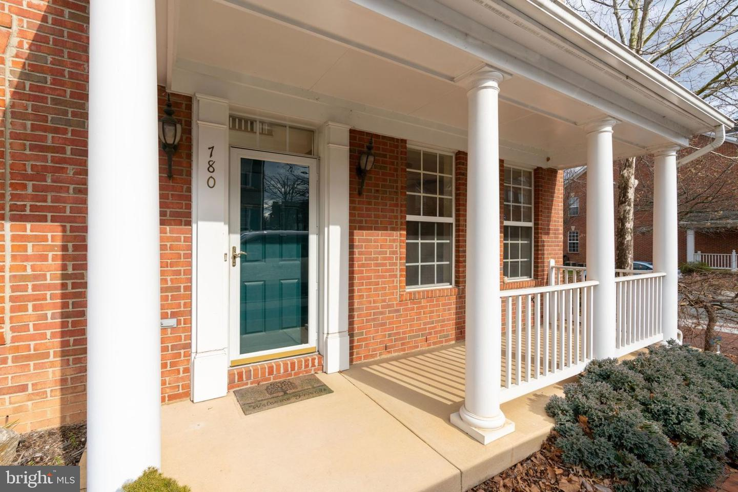 Additional photo for property listing at 780 Monument Ave 780 Monument Ave Woodbridge, Virginia 22191 United States