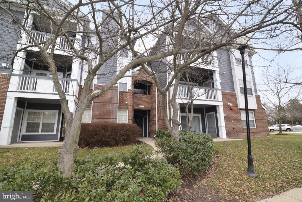 20301  BEECHWOOD TERRACE  203 20147 - One of Ashburn Homes for Sale