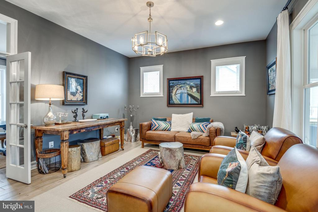 Soothing living room with french doors - 1102-A MONROE ST, HERNDON