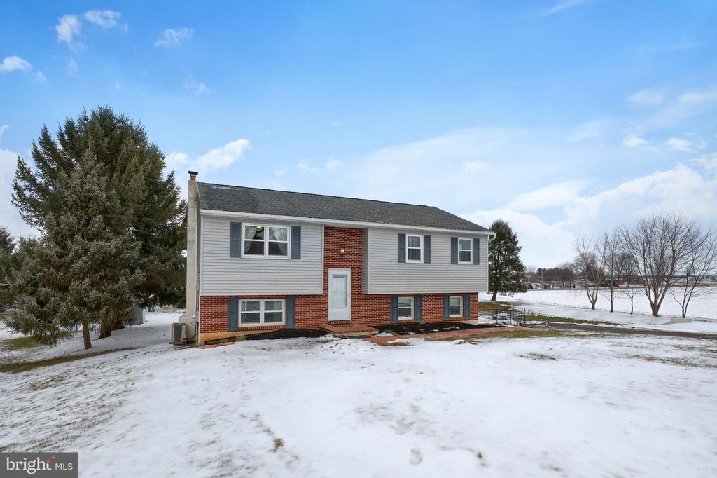 613  HI VIEW DRIVE, Manheim Township in LANCASTER County, PA 17543 Home for Sale