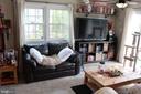 Family room - 9005 CHERRYTREE DR, ALEXANDRIA