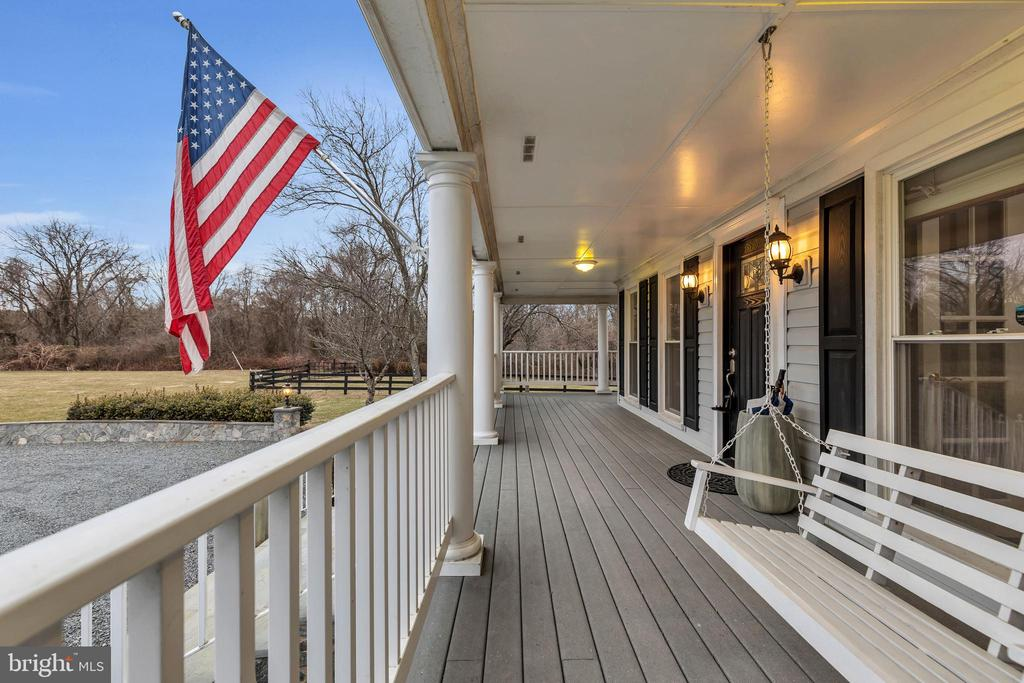 HUGE 60' wrap around porch with swing - 13762 JAMES MONROE HWY, LEESBURG