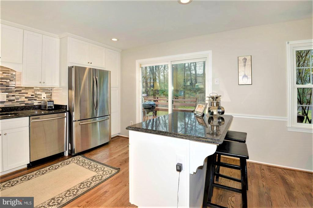 brand new SS appliances - 2305 ROSEDOWN DR, RESTON