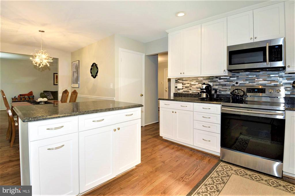 brand new hardwood floors - 2305 ROSEDOWN DR, RESTON