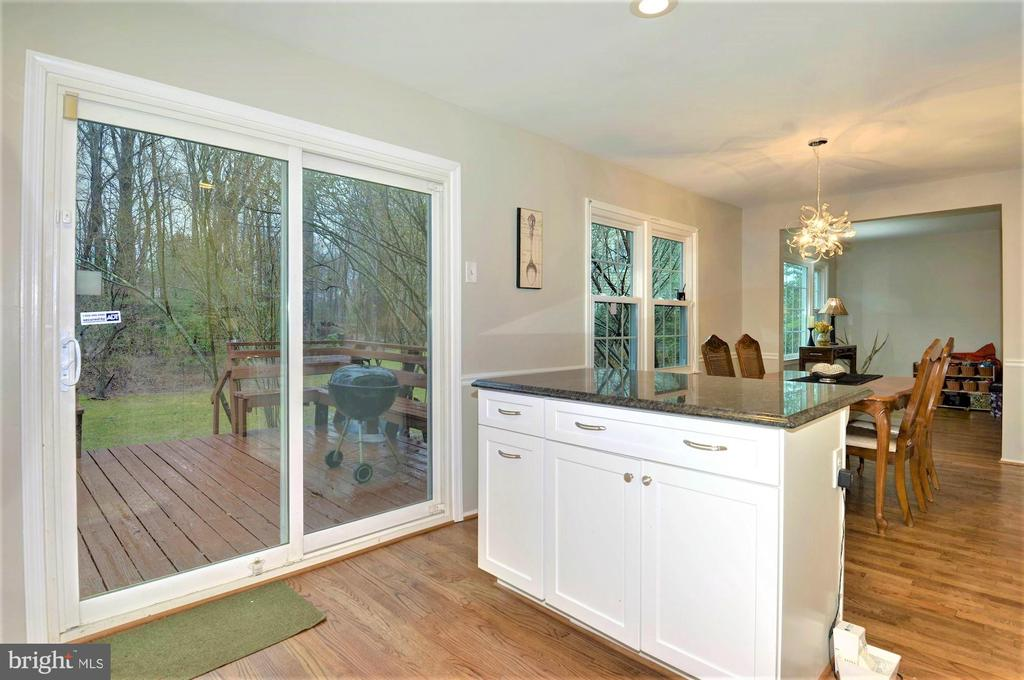 Deck off the kitchen with new sliding door - 2305 ROSEDOWN DR, RESTON