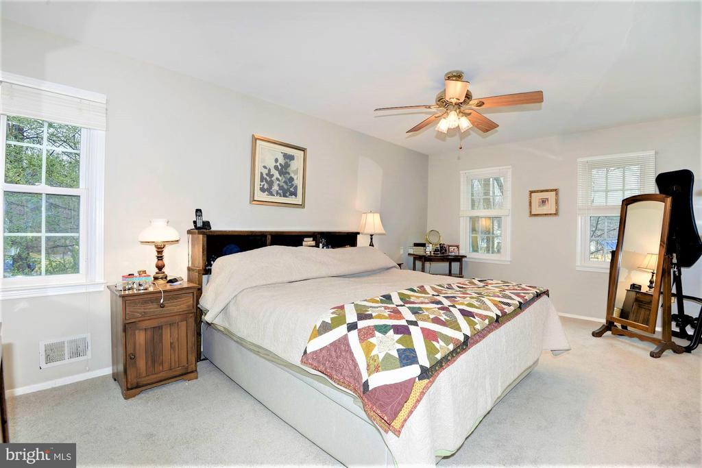 Master bedroom with brand new carepet - 2305 ROSEDOWN DR, RESTON