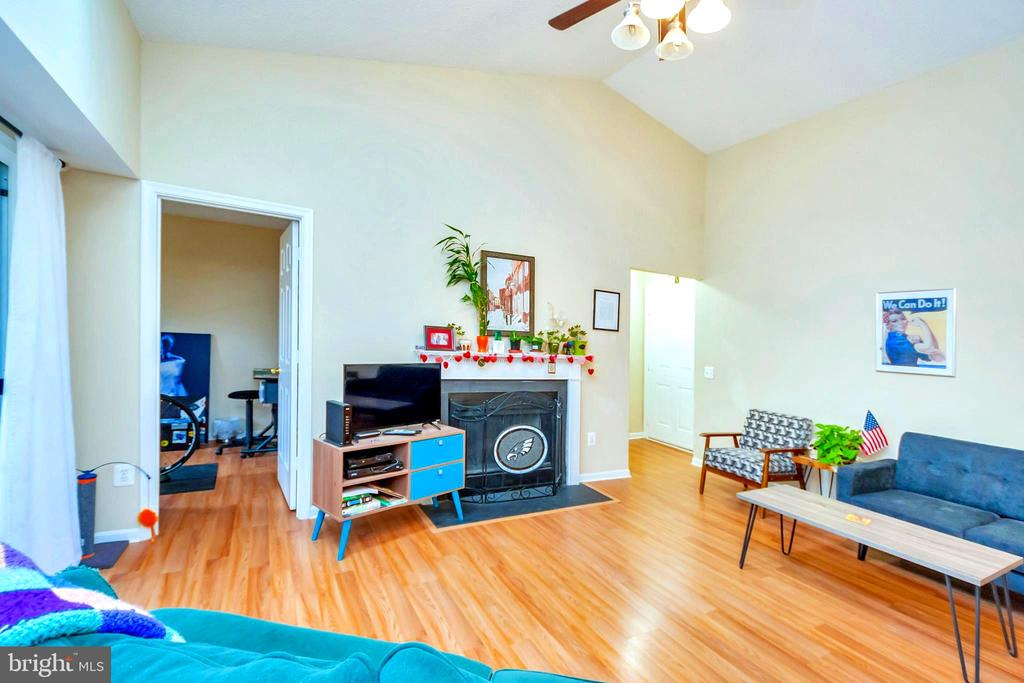 Living Room - 9350 CASPIAN WAY #301, MANASSAS