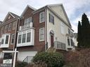 Lovely brick-front end unit with 2 car garage - 26104 NIMBLETON SQ, CHANTILLY