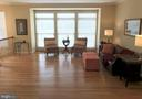 Newly refinished hdwd floors carry thruout - 26104 NIMBLETON SQ, CHANTILLY