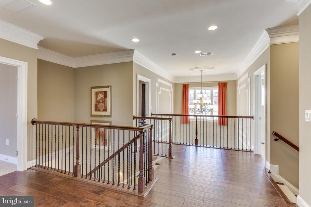 Upper Level Layout - 8 SWEET WILLIAM DR, STAFFORD