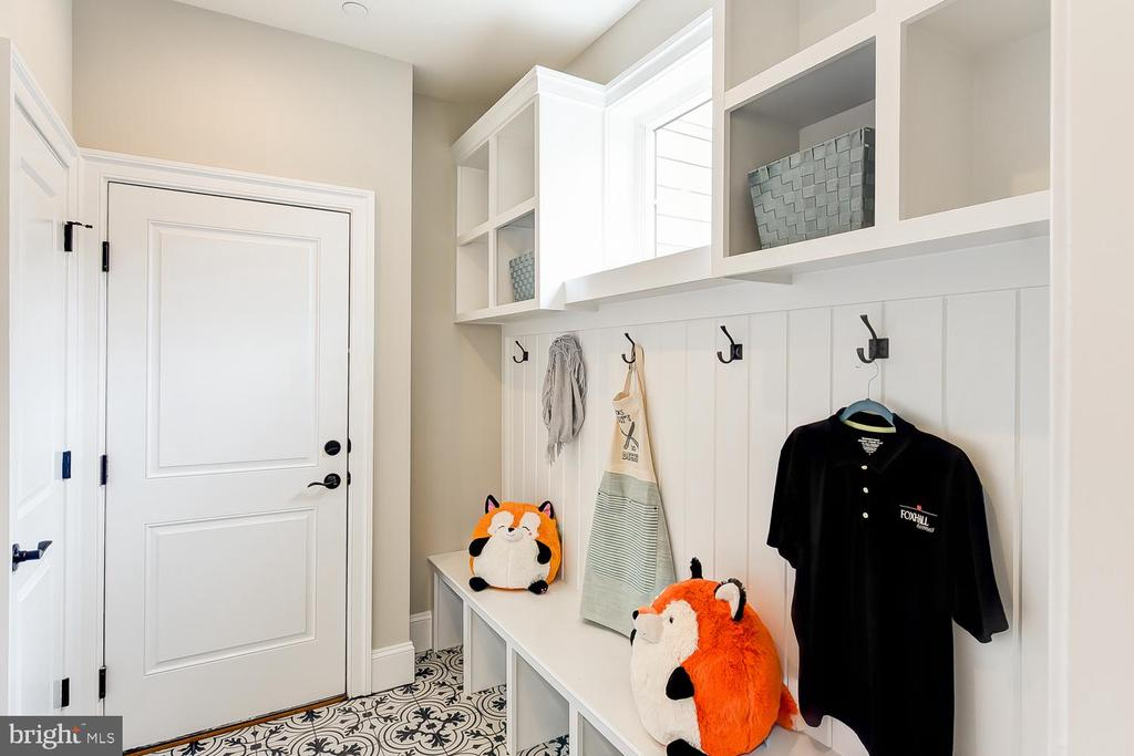 Mudroom located at entrance from 2-car garage - 4617 GLENBROOK PKWY, BETHESDA