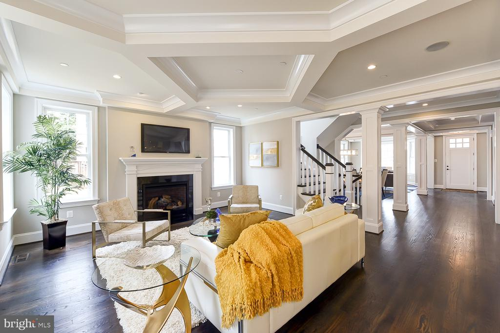 Warm, inviting family room with cool ceiling! - 4617 GLENBROOK PKWY, BETHESDA