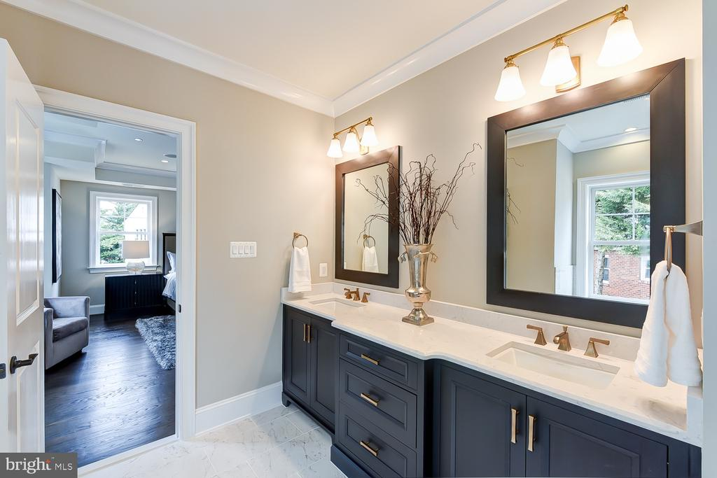 Custom Navy Wood-Mode Cabinets | Cambria Counters - 4617 GLENBROOK PKWY, BETHESDA