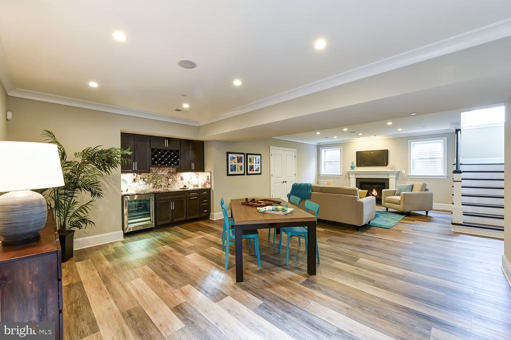 Large space- fabulous for long-term guests - 4617 GLENBROOK PKWY, BETHESDA
