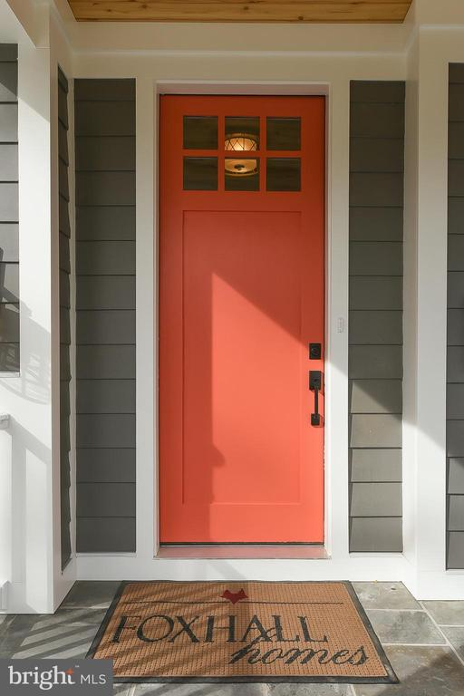 Pantone Color of the Year 2019: Living Coral - 4617 GLENBROOK PKWY, BETHESDA