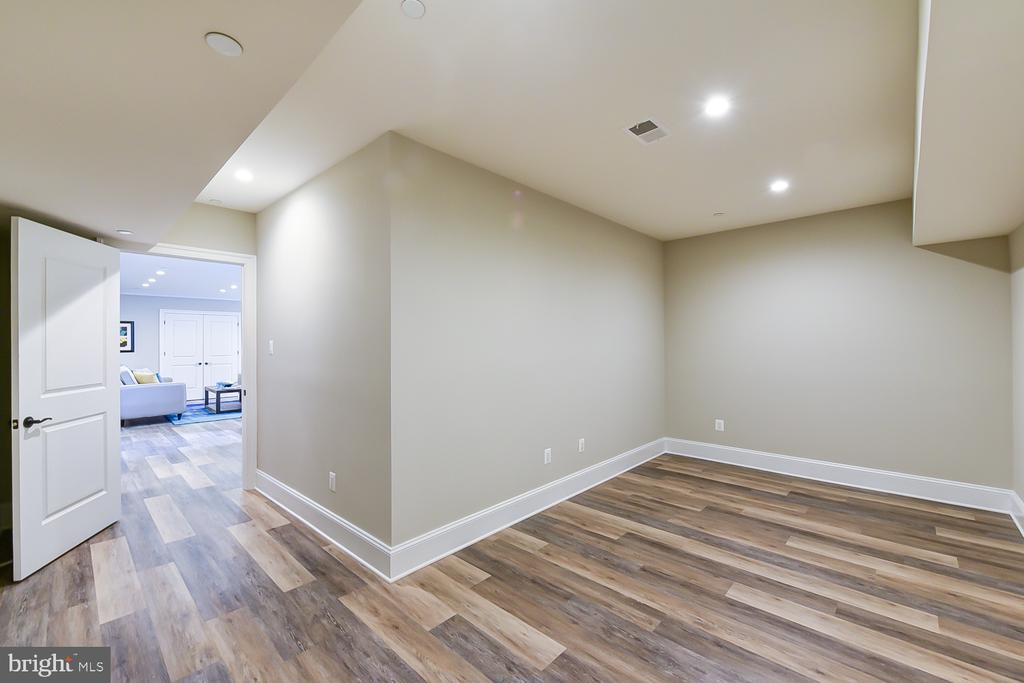 Just add fitness equipment or toys - 4617 GLENBROOK PKWY, BETHESDA