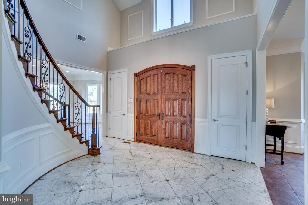 Beautiful Double Wood Doors in Main Entrance - 38821 RIDGE CT, HAMILTON