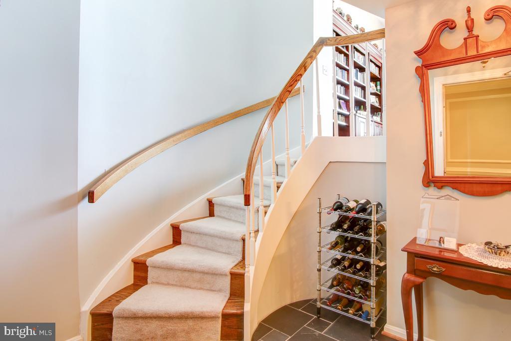 Steps from Foyer to Great Room - 1401 N OAK ST N #305, ARLINGTON