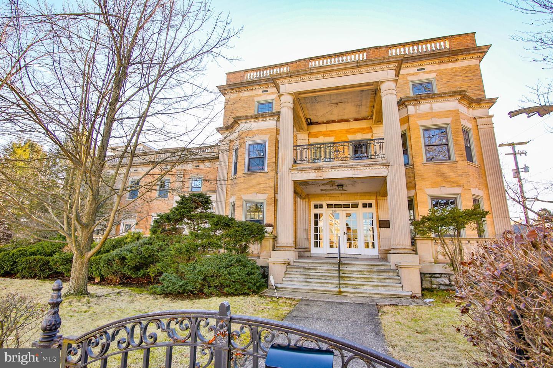 Single Family Homes for Sale at Catasauqua, Pennsylvania 18032 United States