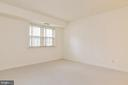 Light-filled and spacious! - 5938 COVE LANDING RD #102A, BURKE
