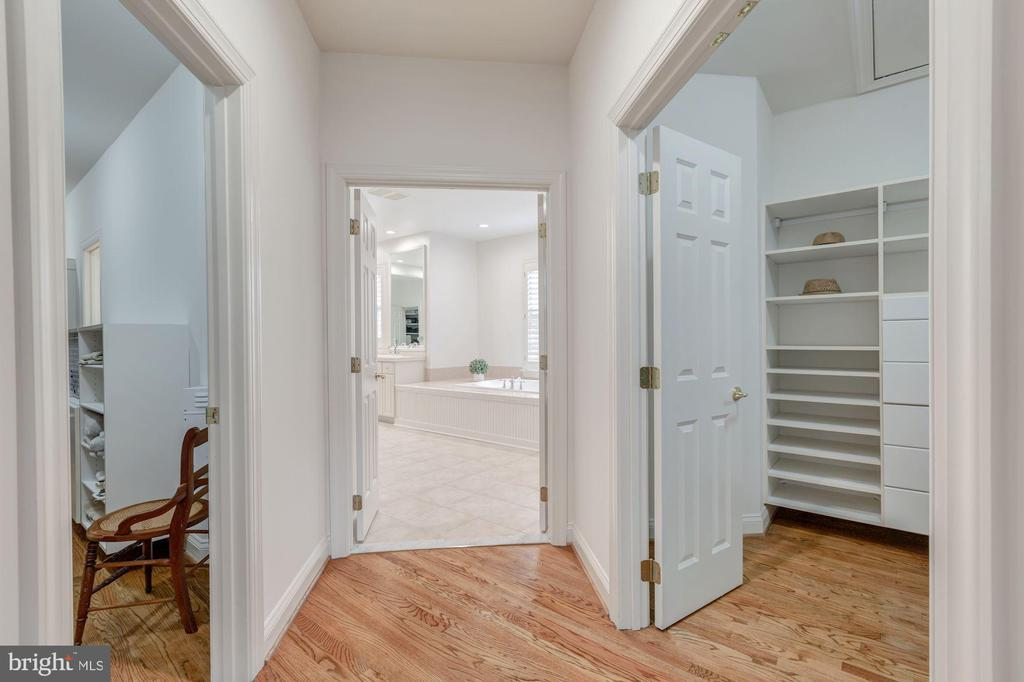 2 Spacious Walk-in Master Closets - 1006 BRYAN POND COURT, MCLEAN