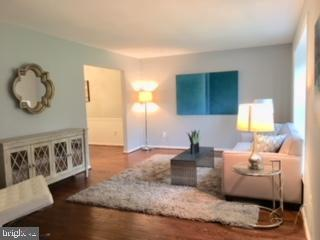 Living Room - 13201 SHERWOOD FOREST DR, SILVER SPRING