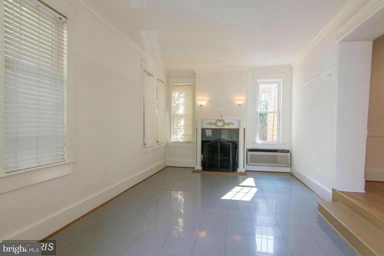 Different Angle of Fireplace! - 185 CLAY ST, ANNAPOLIS