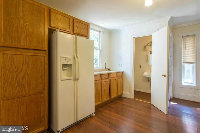 Kitchen and 1/2 Bath - 185 CLAY ST, ANNAPOLIS