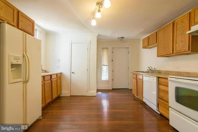Kitchen - 185 CLAY ST, ANNAPOLIS