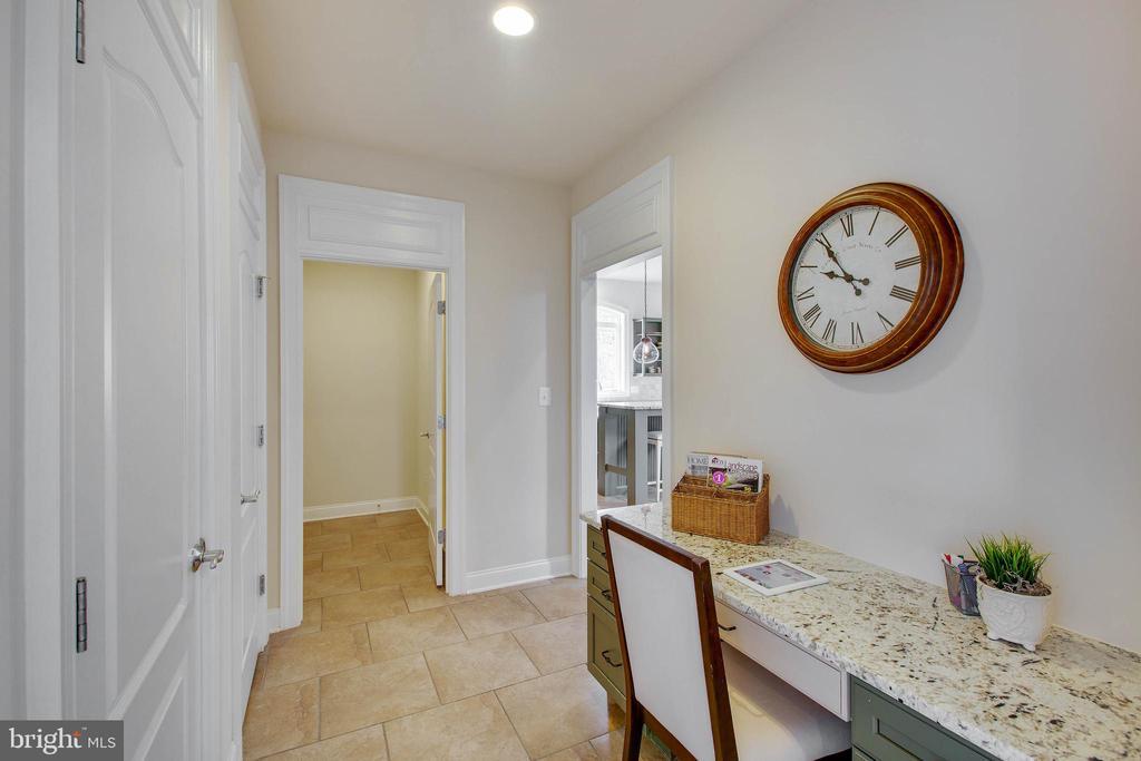Mud room / small office - 3429 WAPLES GLEN CT, OAKTON