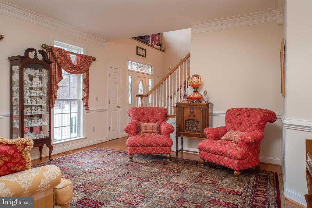 Charming Living Room - 10515 WILDBROOKE CT, SPOTSYLVANIA