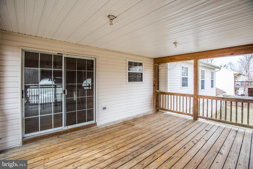 Covered Deck - 5514 S BRANCH RD, FREDERICKSBURG