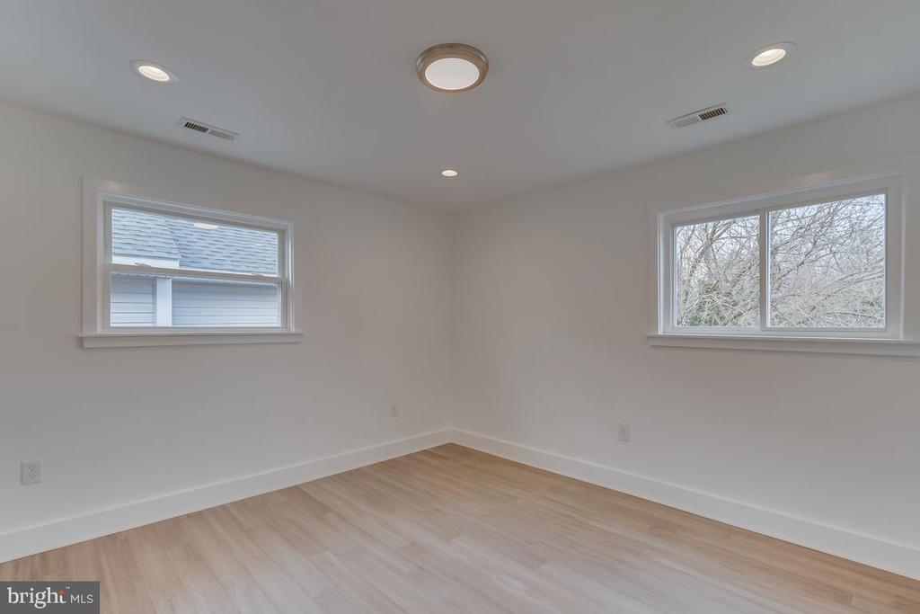 Third Bedroom - 3701 SOUTH DAKOTA AVE NE, WASHINGTON
