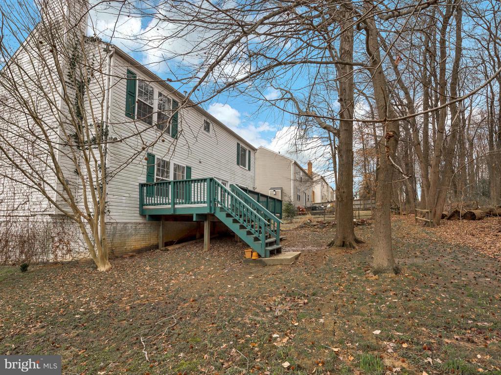 Private back yard area - 6012 CREST PARK DR, RIVERDALE