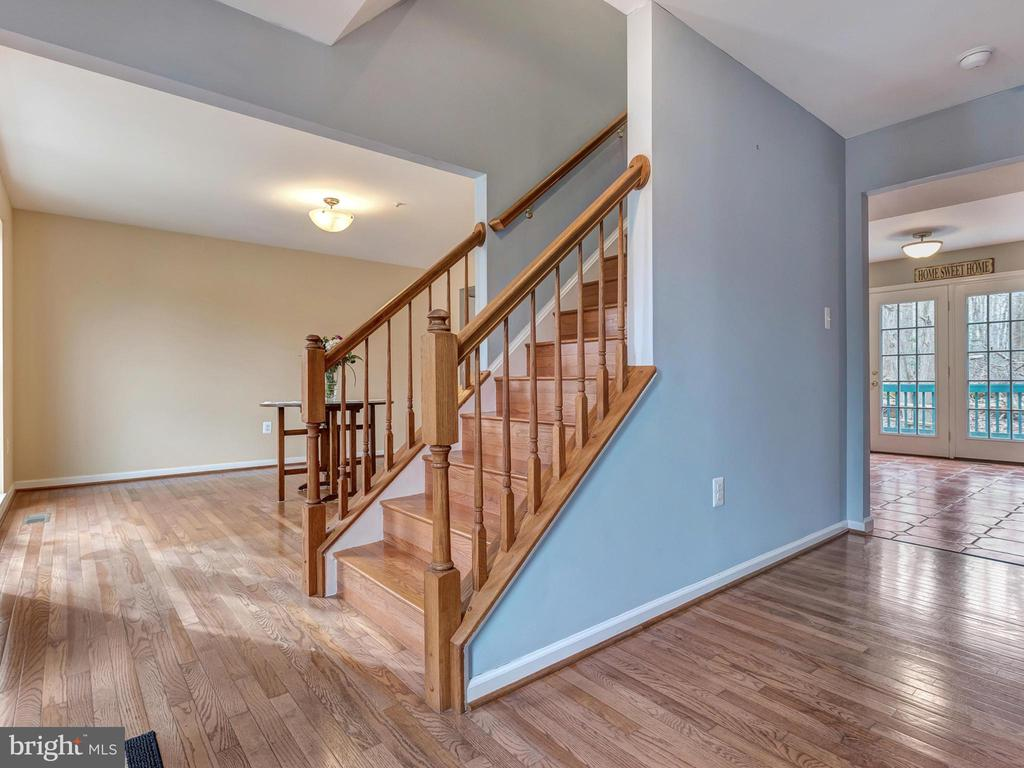 Open and bright first floor! - 6012 CREST PARK DR, RIVERDALE