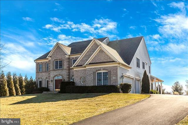 Exquisite Equity Homes custom built on 4.32 acres - 4207 MARYLAND CT, MIDDLETOWN