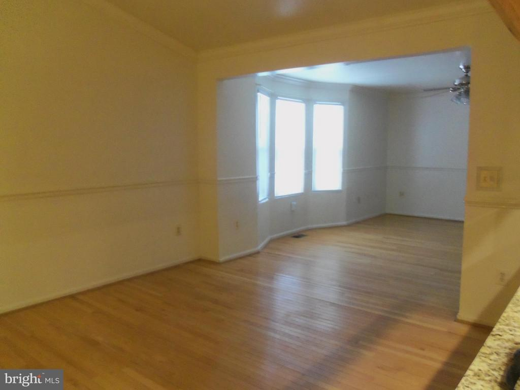 Family room off kitchen with extension/bay window. - 6411 JUANITA CT, SUITLAND