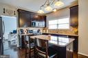 Kitchen Island with seating. - 40 NORTHAMPTON BLVD, STAFFORD