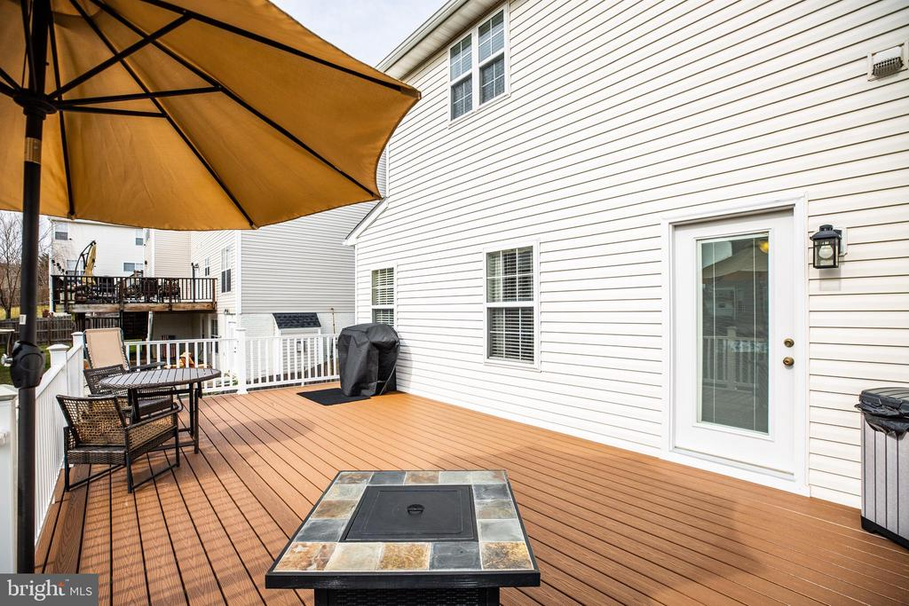 Trex decking with vinyl railing waiting for you! - 40 NORTHAMPTON BLVD, STAFFORD