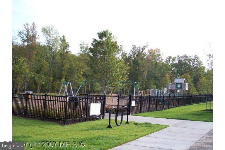 Community Amenities 2 - 17271 EASTER LILY MEWS, RUTHER GLEN