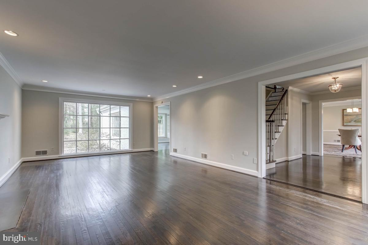 Additional photo for property listing at 7011 Darby Rd Bethesda, Maryland 20817 United States